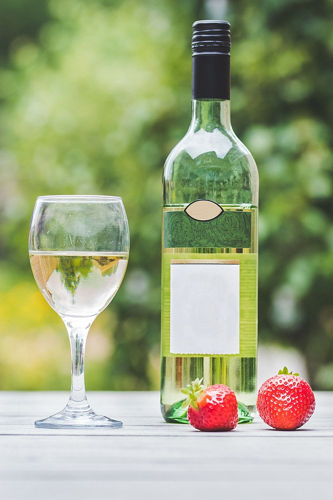 White wine with strawberries