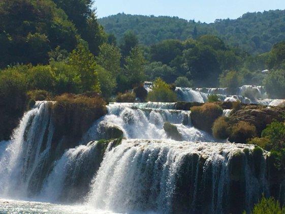 lots-of-waterfalls