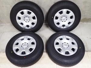 トヨタ ハイエース純正スチールホイール&タイヤセットを買取致しました!