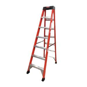 Tradecraft 7′ Fiberglass Step Ladder Grade 1A 300lbs