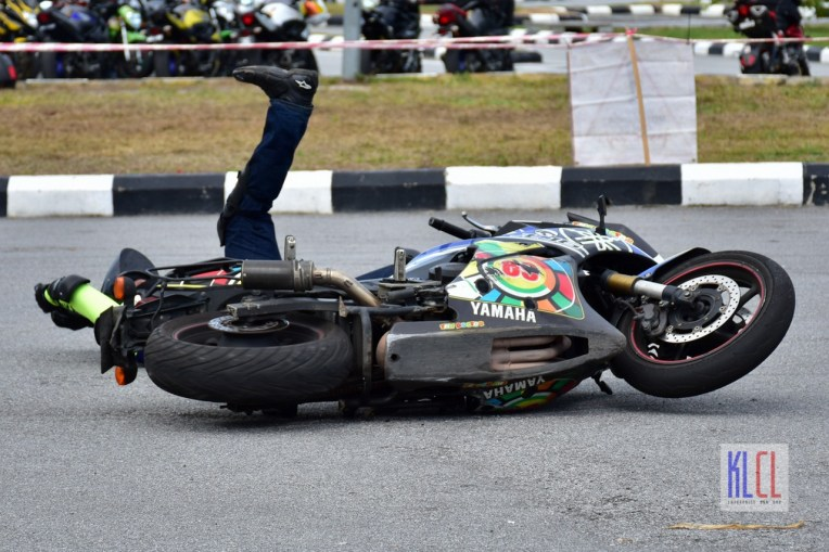 xj-biker-down