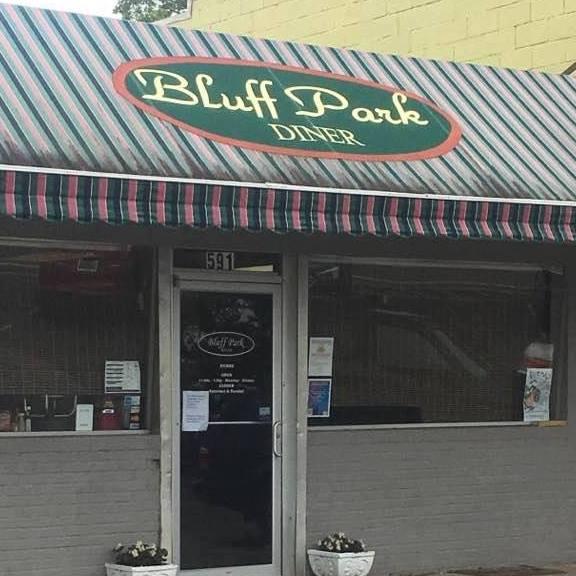 Bluff Parks Diner Parking