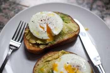 Avocado, Eggs & Wholegrain