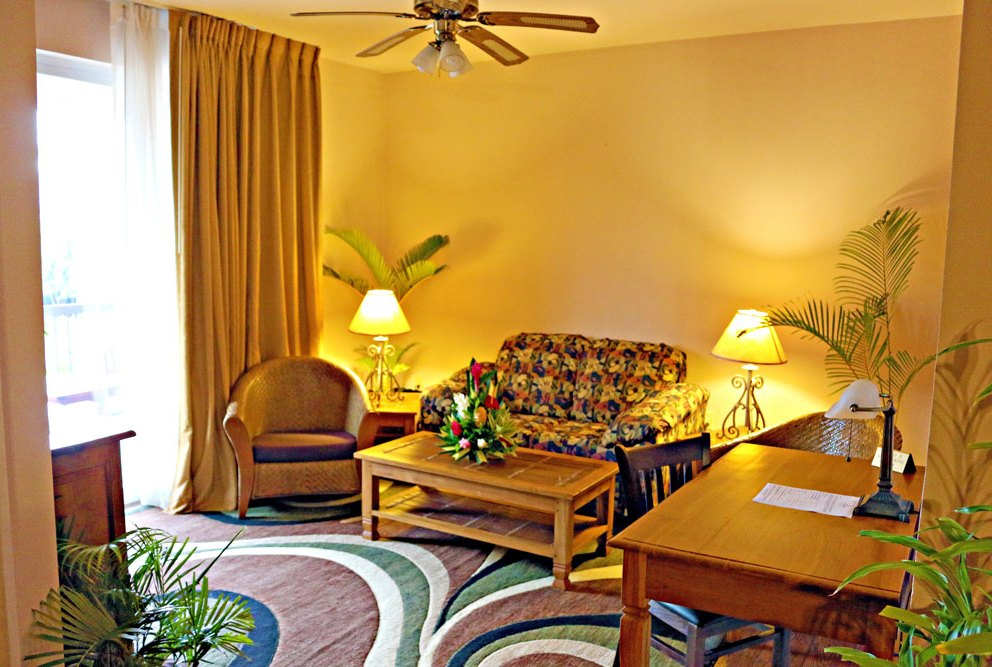 Plaza Alii Suite Living Room