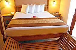Plaza Alii Suite Bed