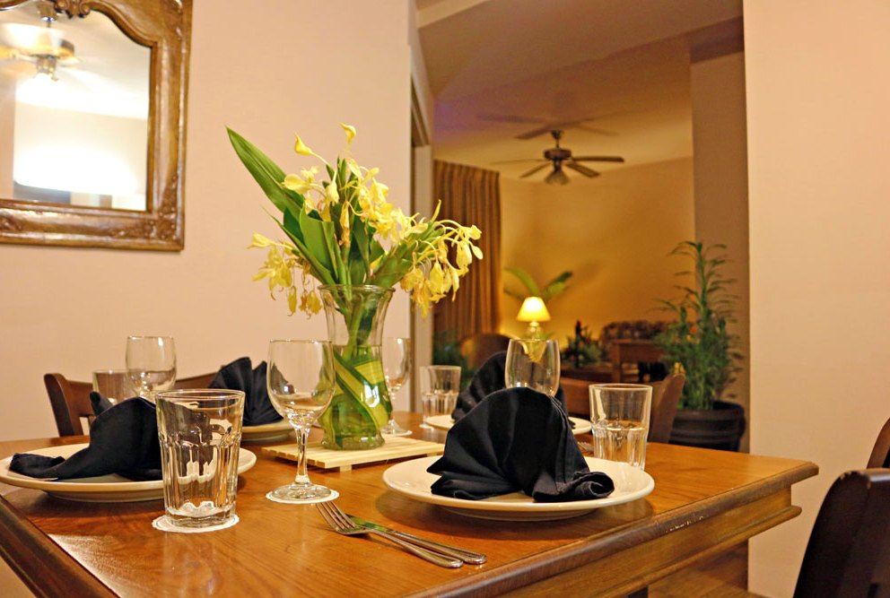 Plaza Alii Suite Dining