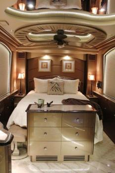 Get rid of those yellowed out indirect lights and freshen up your coach with dimmable LED lights around your windows and along the ceiling. #tradewindscoach