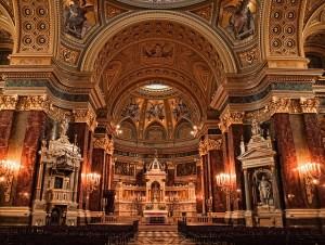 Budapest-St-Stephen-Basilica-Altar-Neil-Howard