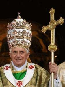 PopeBenedictTiara