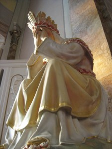 our_lady_of_la_salette_crying
