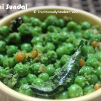 Pattani Sundal (Frozen Green Peas Sundal)