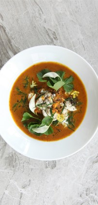 Smoky-southern-Thai-curry-with-gulf-of-Thailand-red-spanner-crab-black-pepper-pennywort-and-Samut-Sakhon-province-samphire