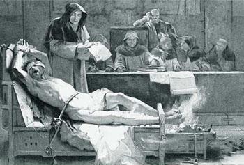 Una imagen falsa que representa tortura durante la inquisición