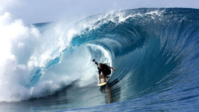 rb_Free_Ep6Teahupo_c-Tim-Mckenna.com_Red-Bull-Photofiles