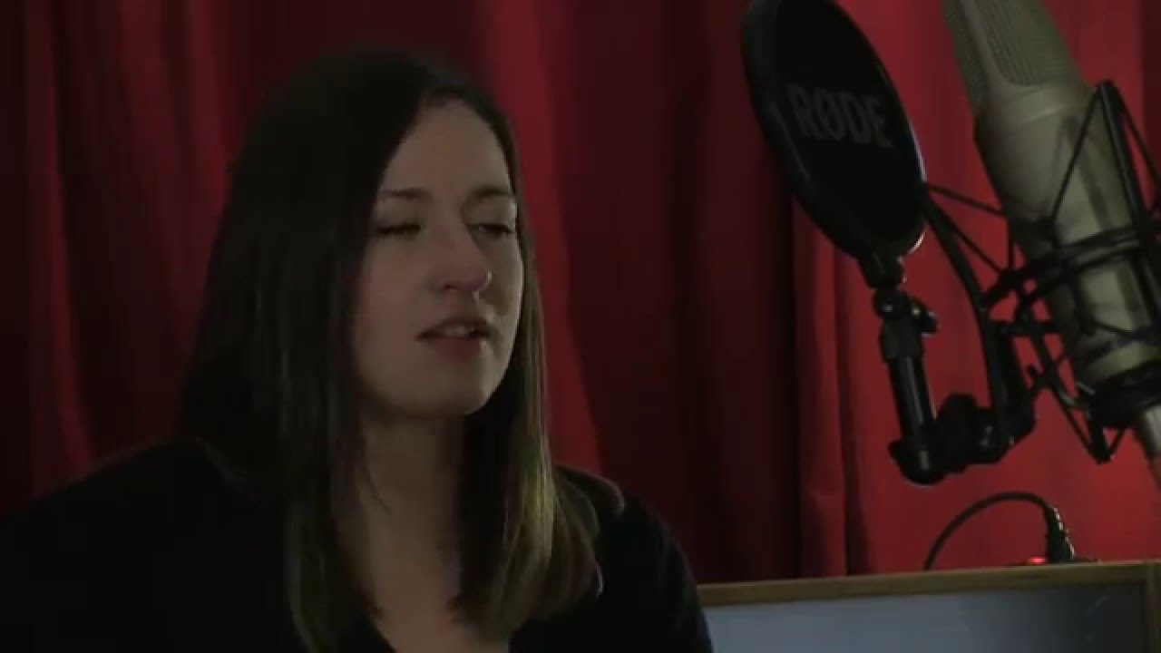 Jenn Butterworth & Laura-Beth Salter perform Roll On Clouds In The Morning for TRADtv