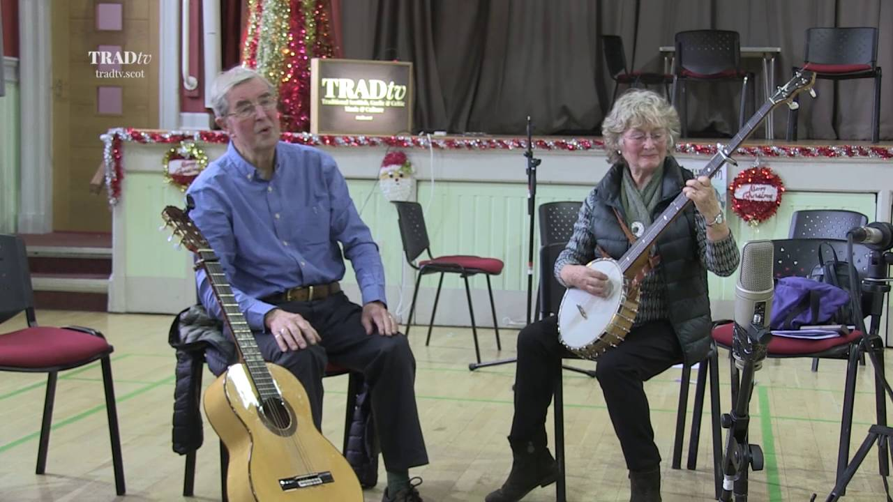 Alison McMorland & Geordie McIntyre perform Quiet River at TradTalk Extra 2015