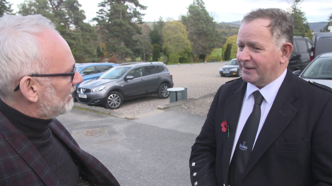 Roddy MacLeod talks to Fergus Muirhead at the Glenfiddich Piping Championship 2017