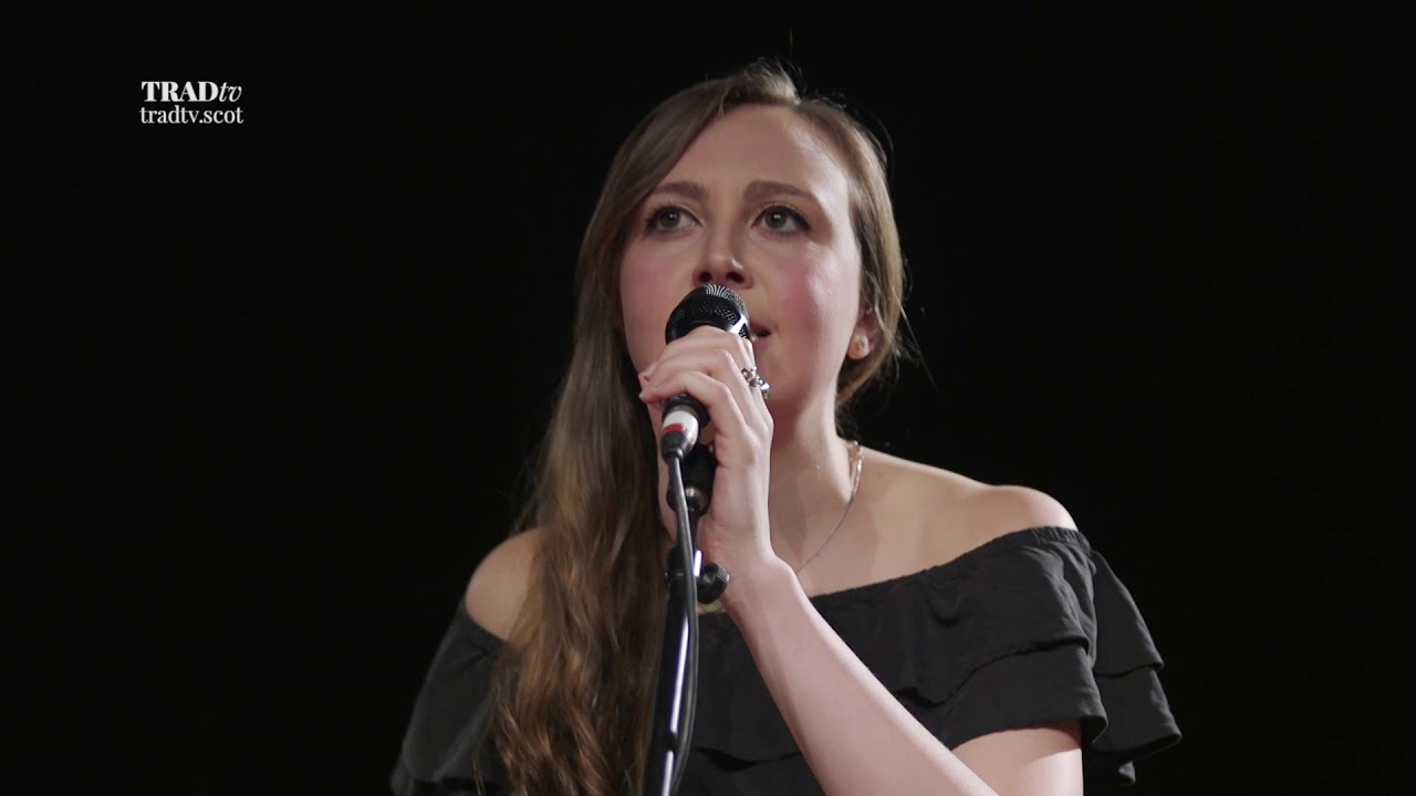 Siobhan Miller performs What You Do With What You've Got live at Stirling Tolbooth (The Visit 2017)