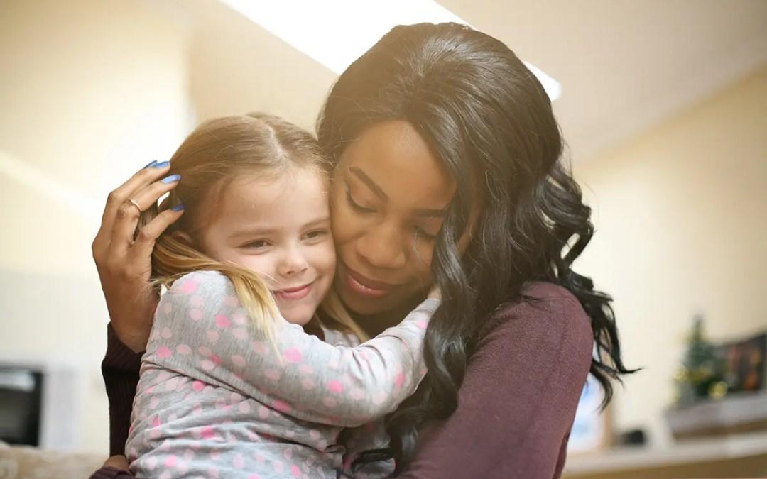 Adoption à l'étranger : comment constituer un bon dossier ?