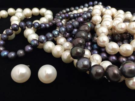 Love The Pearls by Miami Collection