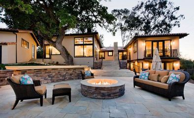 ultra-modern-patio-with-stylish-firepit