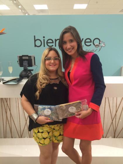 Nuestra Editora en Jefe, Lourdes Nicolle Martínez junto a una de las diseñadora de Dulce Luna Bags, Nicole Kortright