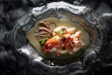 麗軒_Hong Kong Style Cooked Blue Lobster with Buckwheat Noodle in Gruyere Cheese Sacue