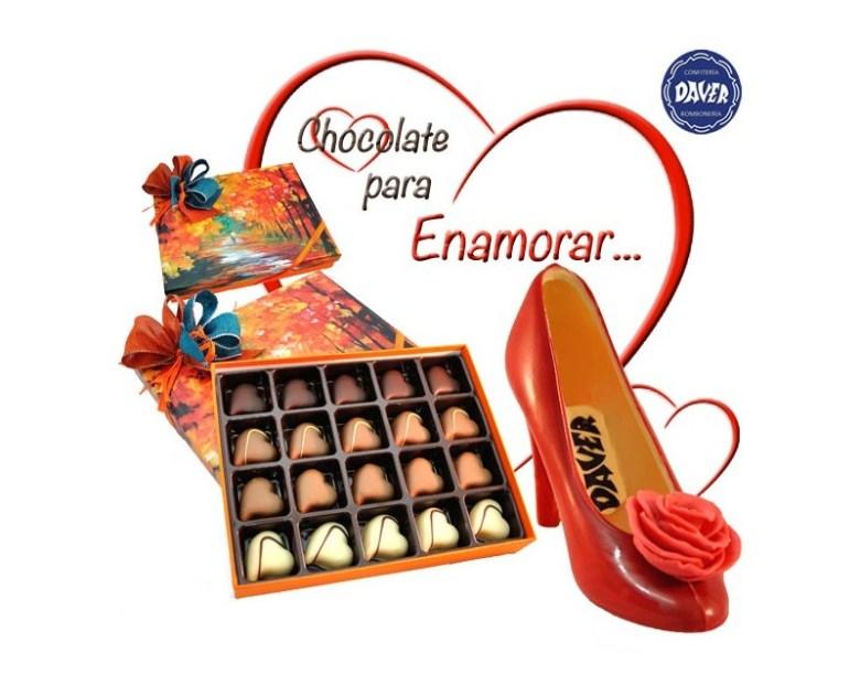 Zapato de chocolate y bombones en caja de acuarela de Confitería Daver