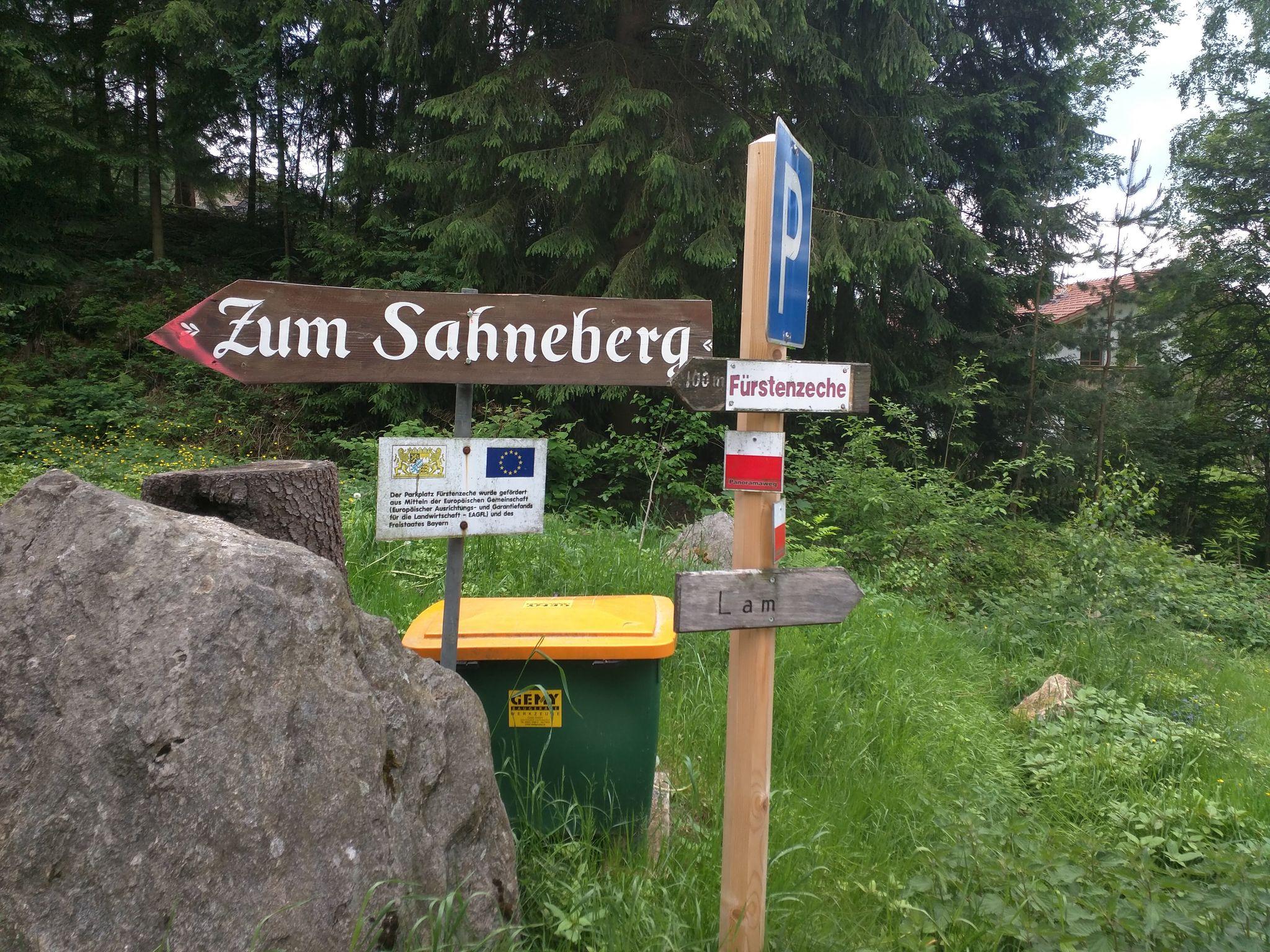 Wegweiser zum Café Sahneberg