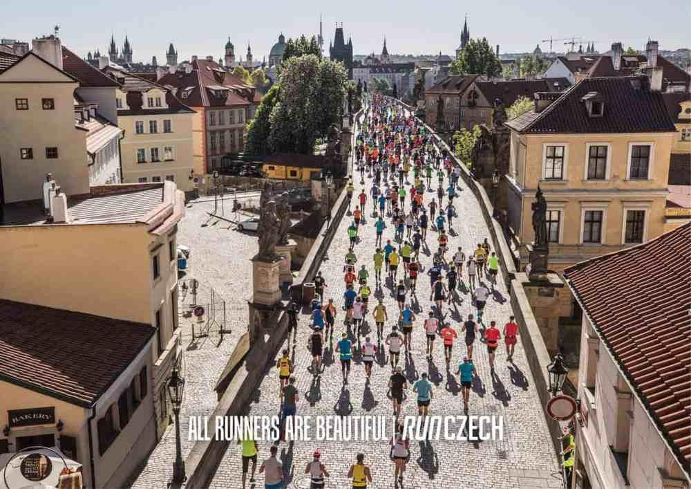 Marathoniens du marathon de Prague
