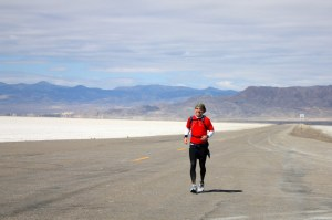Runner finishing the Salt Flats 100
