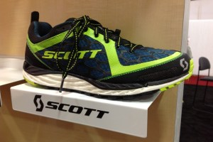 picture of scott t2 kinabalu with new fall colors