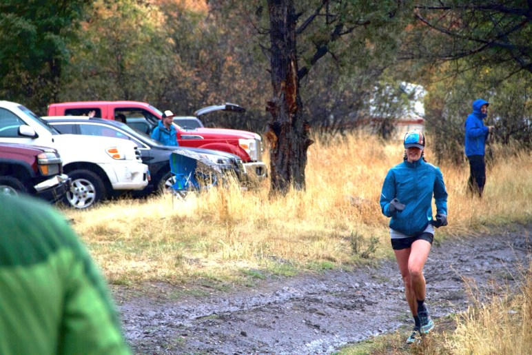 Chelsea Hathaway running into Leatham aid station at the 2016 Bear 100
