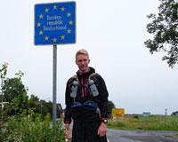 Aske Christensen ved den dansk-tyske grænse.