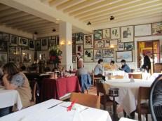 「la Mère Poulard」店内
