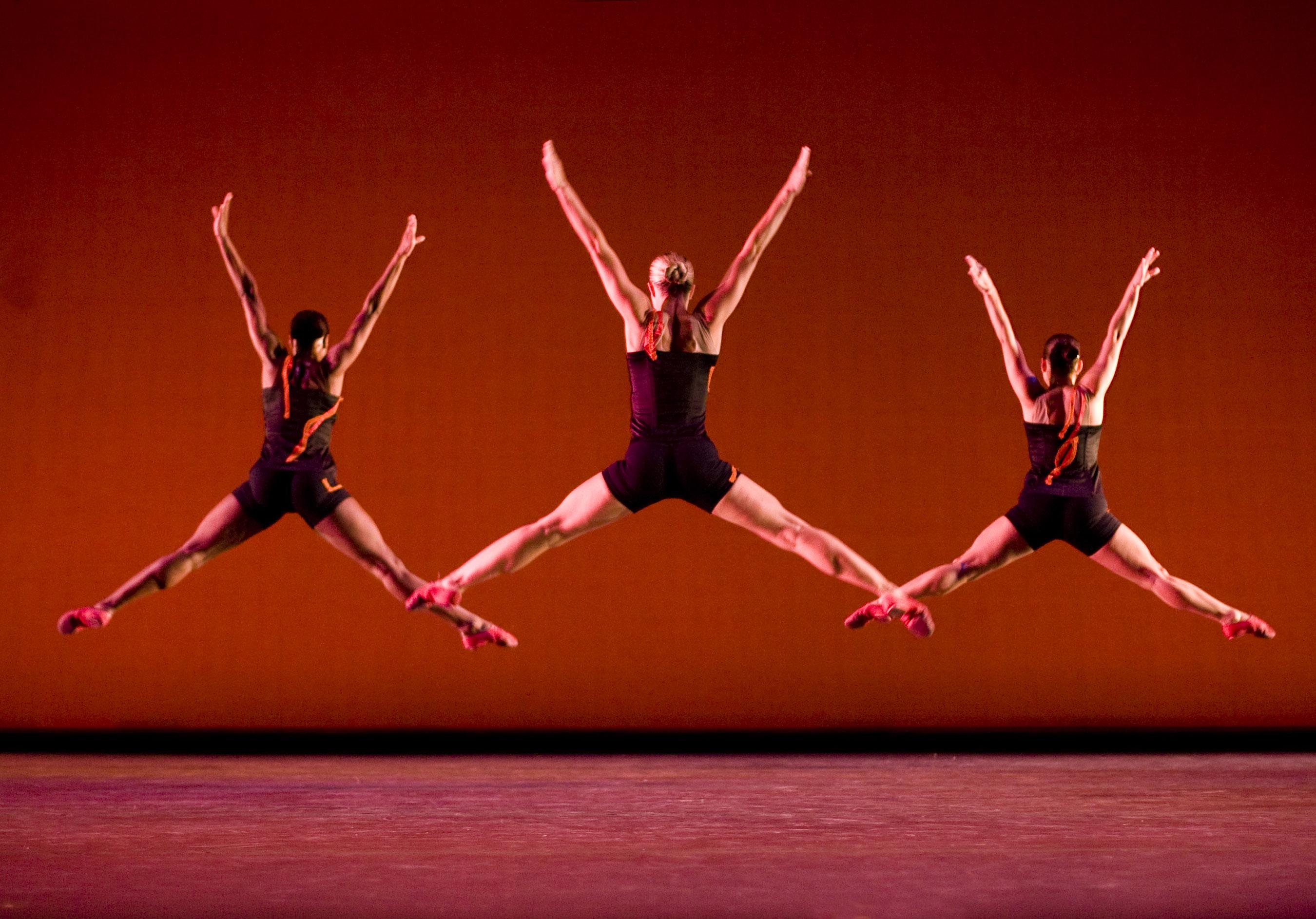 GJDC dancers Ashley Lauren Smith, Meghan McDermott and Lindsey Leduc Brenner. Photo by Cheryl Mann.