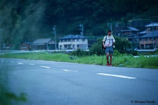 ロードを進む米田英昭。Photo by Shimpei Koseki