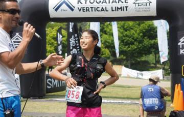 th_Kyogatake-Vetical-2016-Kasuga-Watabe-finish