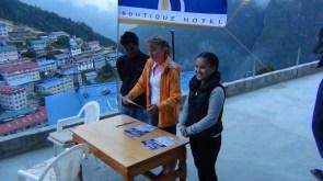 marathon nepal royal penguin namche bazaar elka