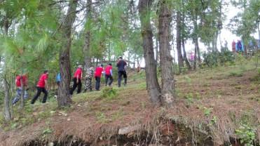 Minister's entourage taking a very unsubtle shortcut after 100m.