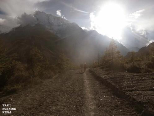 annapurna circuit trek trail race nepal-14