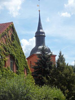 Der Kirchturm von Ribbeck