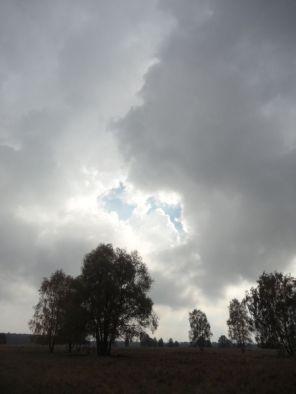 Wolken und Sonne streiten sich noch