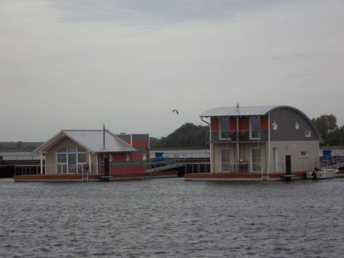 Der neueste Schrei - Schwimmende Häuser