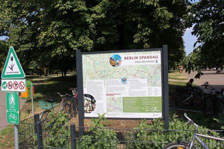 Die neue Infotafel am Münsinger Park