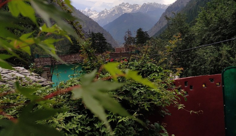 Evergreen Backpackers' Cafe in Kasol