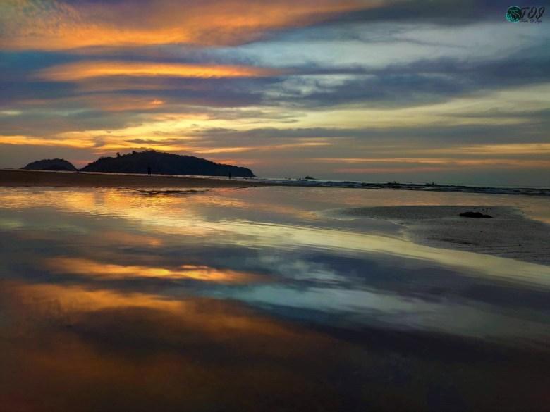 Natural Mirror at Devbagh Beach Karwar