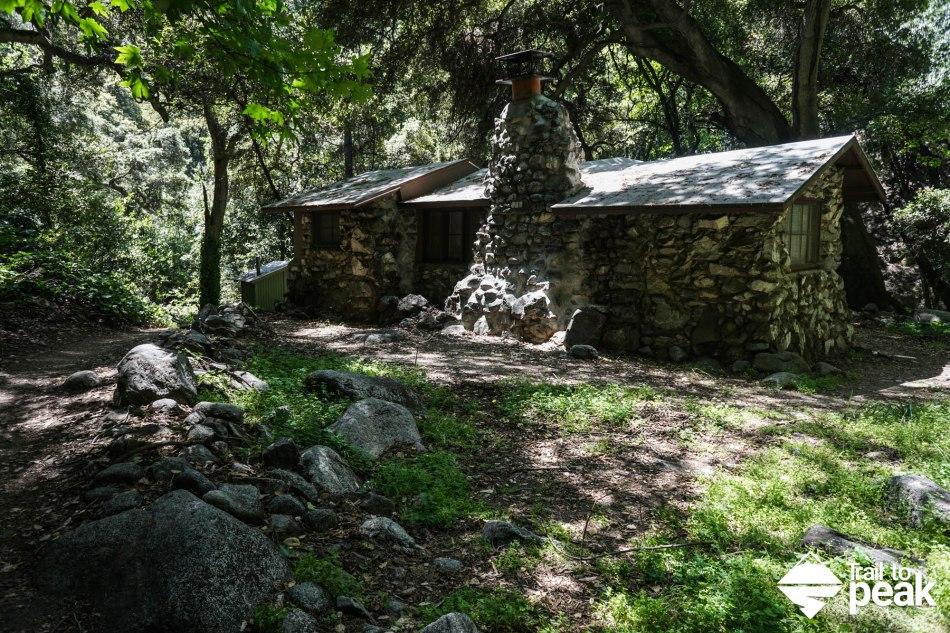 Hiking mt wilson via chantry flat trail to peak for Chantry flats cabins rental