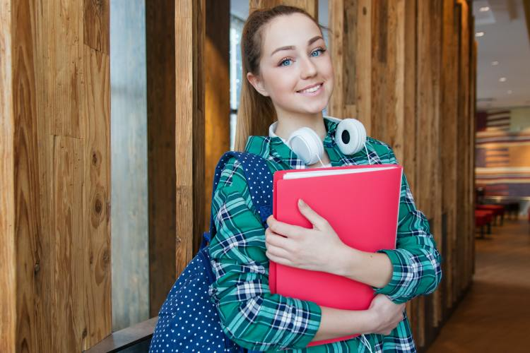 Girl on way to talk to Training Now about careers advice for apprentices