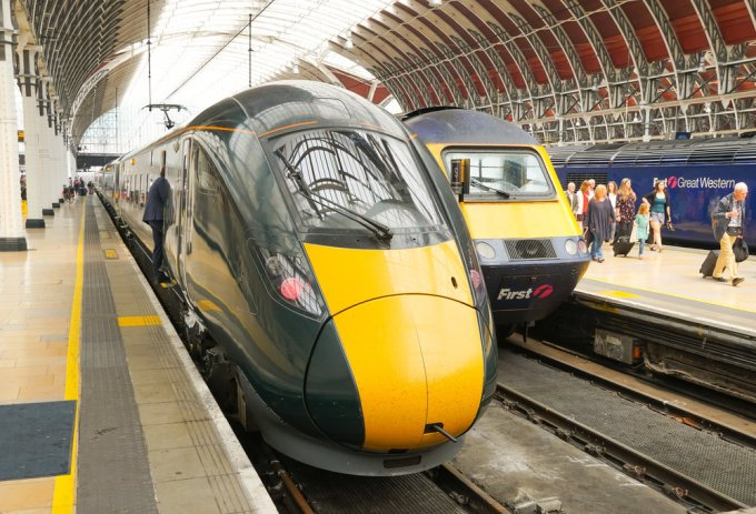 Old and new at London Paddington. On the left a new Class 800, on the right an older HST